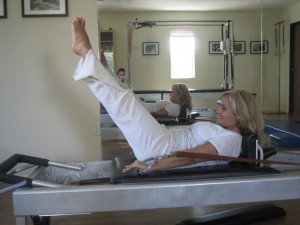 Gia Marakas doing the Pilates hundred