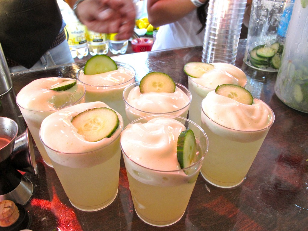 Gin y Hendrick's with Hendrick's gin, lime juice, sugar, mint and cucumber espuma by Julian Cox