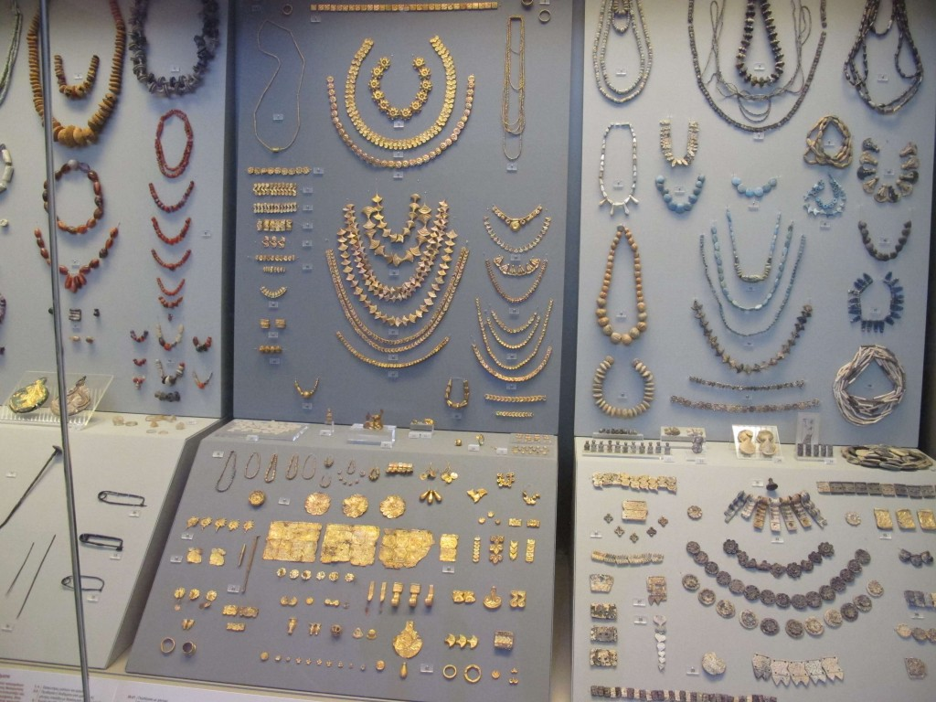 Ancient jewelry at the National Archeological Museum