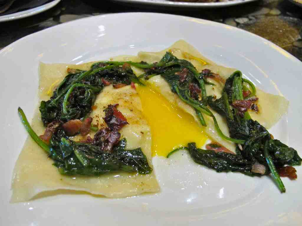Bacon and eggs raviolo